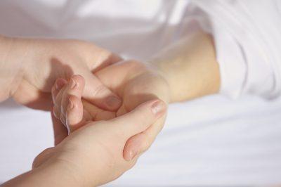 treatment_finger_keep_hand_wrist_hand_massage_hands_on_help-634777